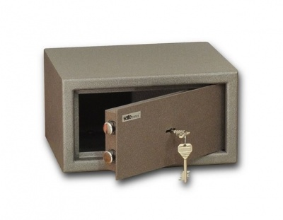 SafeTronics ZSL 17 M kulcsos Bútorszéf